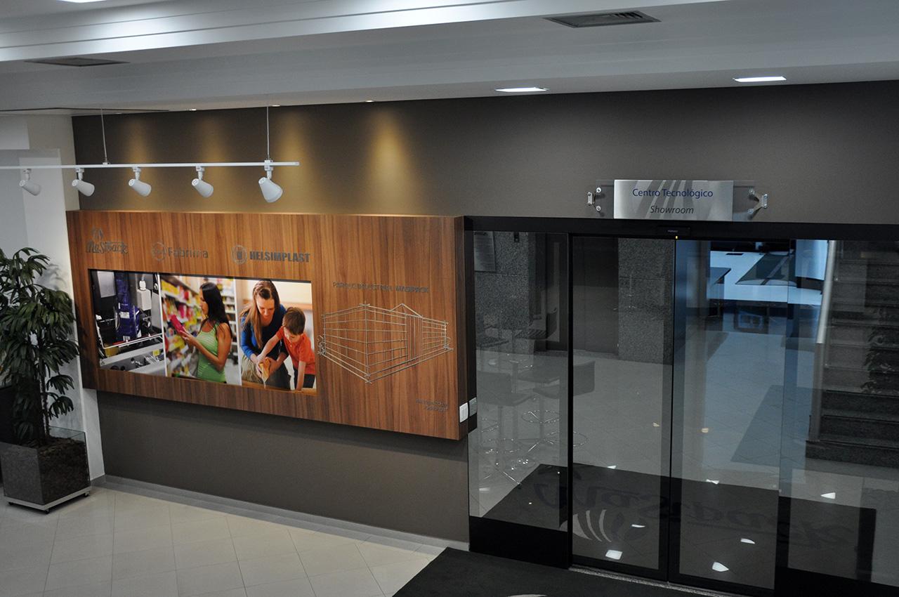 Showroom - entrance